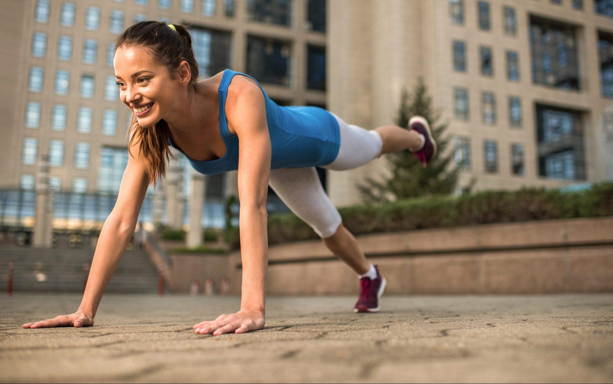 outdoor top leg plank