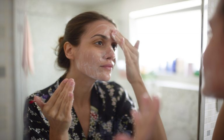 How to Get Rid of Milia Spots in 5 Easy Steps