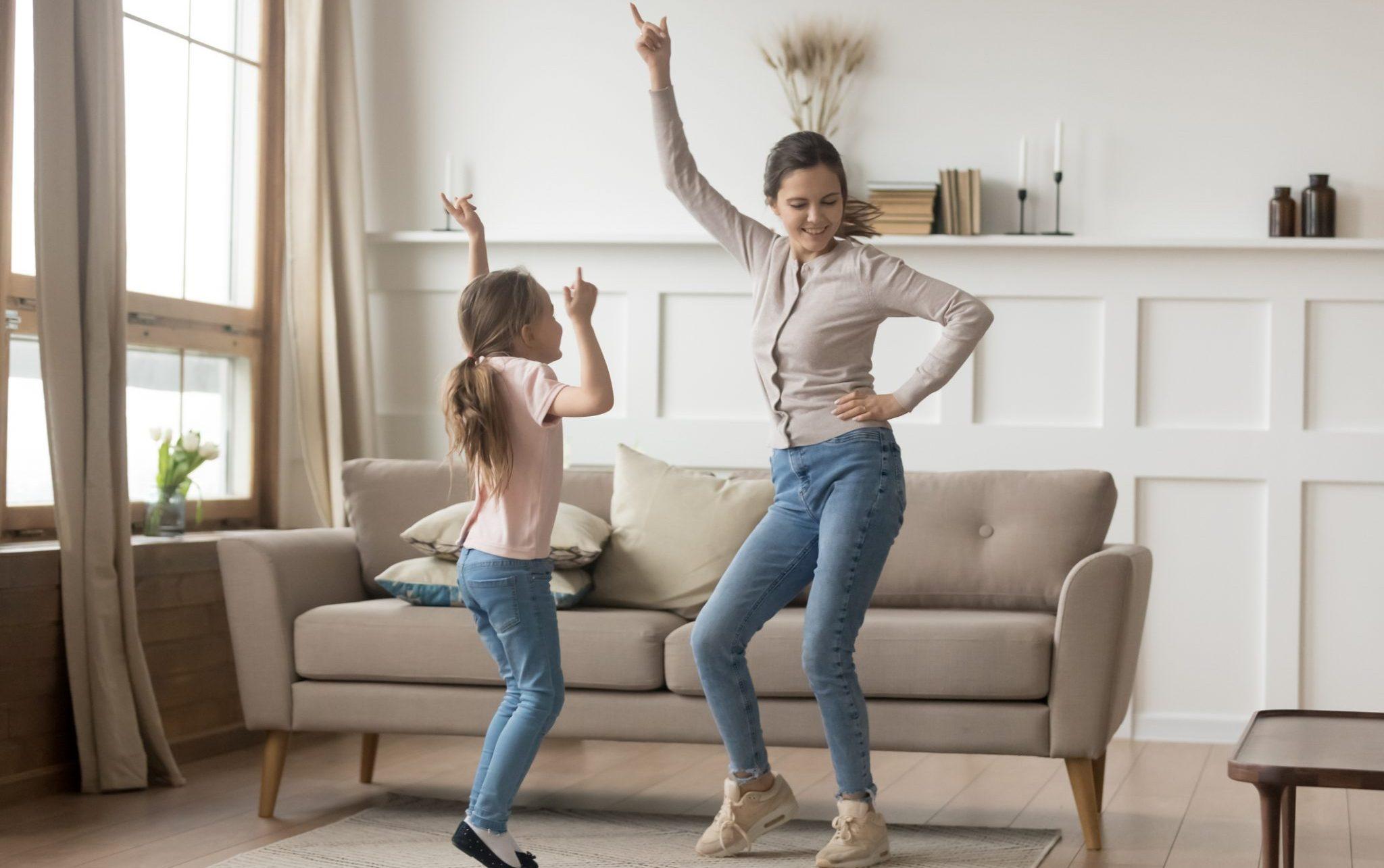 mom kid dancing